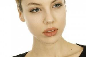 脸上油光毛孔粗大怎么办学习护肤方法很有必要